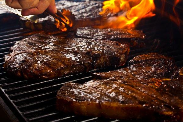 saftiges Steak auf Gasgrill